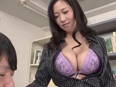 巨乳の女教師