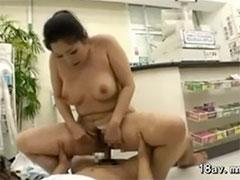 パートの人妻とセックス