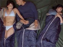 テントで浮気