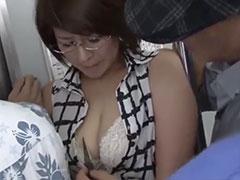 痴漢に脅される巨乳教師