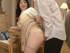 家庭教師の巨乳おばさん