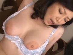 熟女のエロいハミ乳